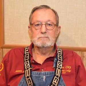 Senior Stewart <br> Jerry Jones